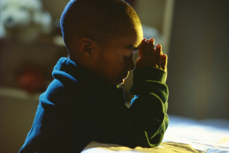 praying-child